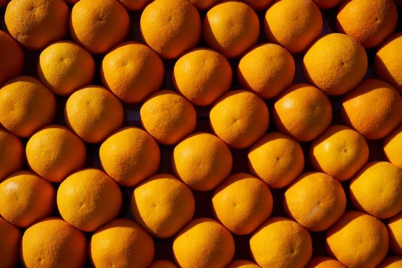 Come realizzare un pesticida naturale con olio essenziale di arance