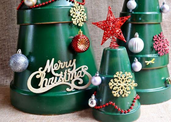 8 decorazioni natalizie e fai da te per il giardino